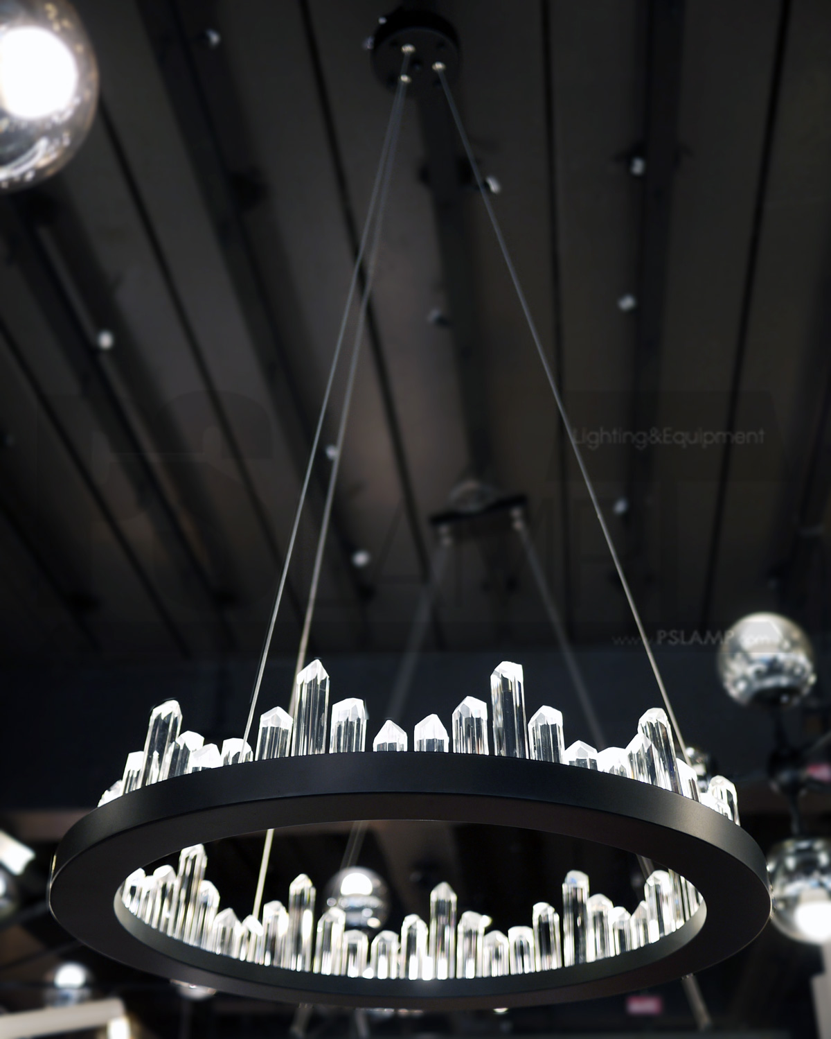 โคมไฟระย้า โคมไฟเพดาน โคมไฟแขวน โคมไฟโมเดิร์น โคมไฟช่อ LFC1029